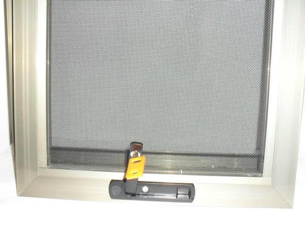 框中框金剛網紗窗隱藏把手打開圖