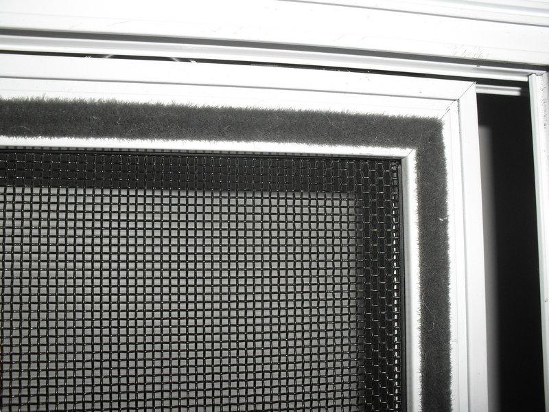 三趟金剛網紗窗背面密封圖